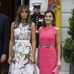 La Reina Letizia vestida de Michael Kors junto a Melania Trump en su visita oficial a la Casa Blanca