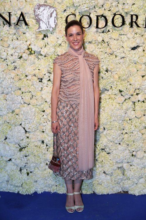 Raquel Sánchez Silva con un vestido rosa cuarzo en un evento de Harper's Bazaar