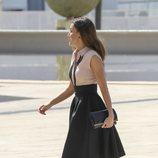 La Reina Letizia con un look lady durante su viaje a Benidorm
