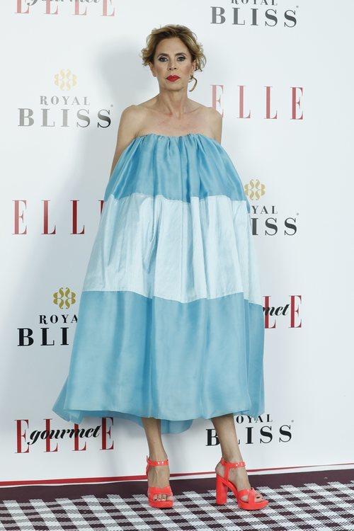 Agatha Ruiz de la Prada con un vestido azul en los premios Elle Gourmet en Madrid 2018