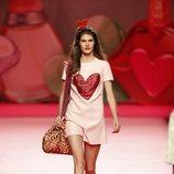 Mono rosa de Ágatha Ruiz de la Prada en Madrid Fashion Week primavera/verano 2019