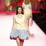 Vestido de rayas de Ágatha Ruiz de la Prada en Madrid Fashion Week primavera/verano 2019