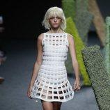 Vestido con transparencias de Teresa Helbig en Madrid Fashion Week primavera/verano 2019