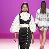 Blusa superpuesta de María Escoté en Madrid Fashion Week primavera/verano 2019