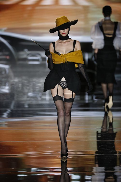 Conjunto de encaje de Andrés Sardá en Madrid Fashion Week primavera/verano 2019