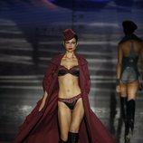Conjunto lencero burdeos de Andrés Sardá en Madrid Fashion Week primavera/verano 2019