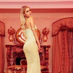 Vestido amarillo de la colección 'low cost' de Paris Hilton 2018