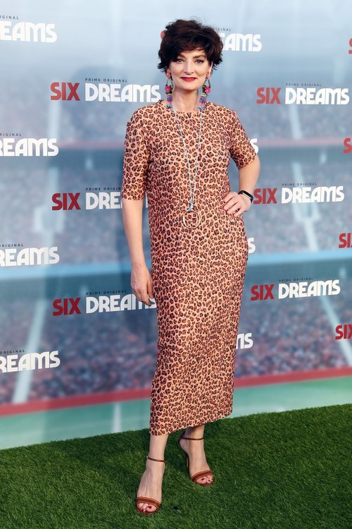 Olga Hueso con un vestido 'animal print' en la premiere de 'Six Dreams' 2018