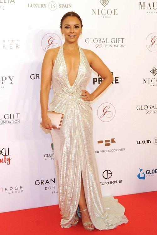 Chenoa con un vestido brillante en la Gala Global Gift en Marbella 2018