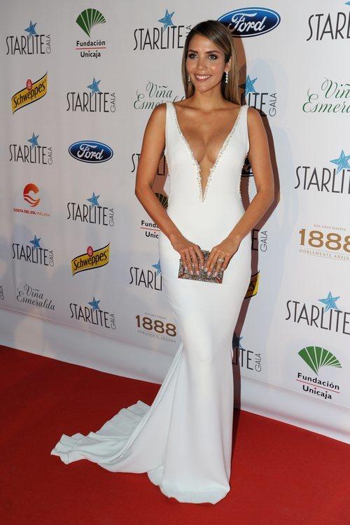 Rosanna Zanetti con un vestido blanco en el Festival Starlite en Marbella 2018