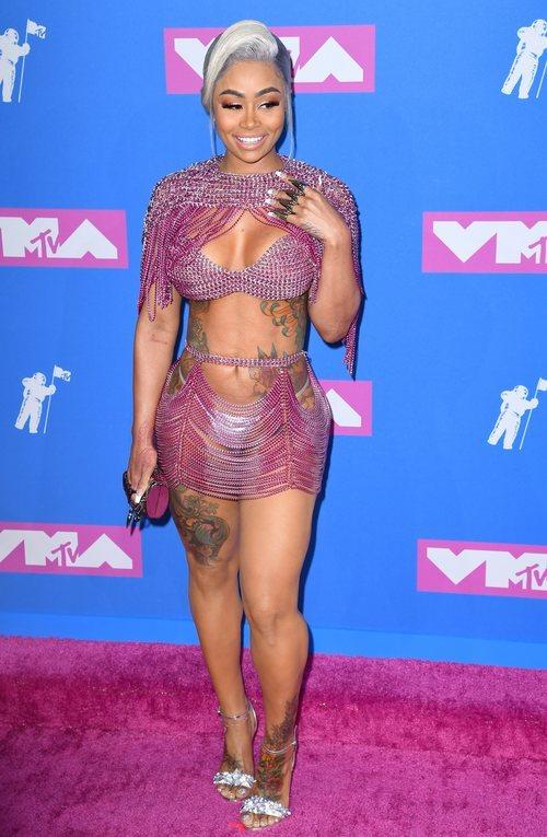Blac Chyna con un diseño brillante y poca tela en los premios MTV Video Music 2018