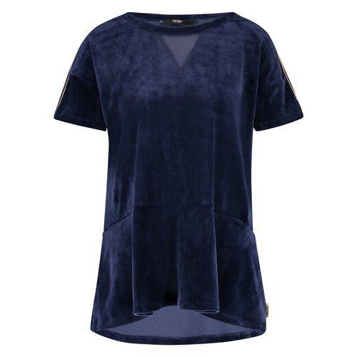 Camiseta de terciopelo de la colección cápsula 'Urban ChicX' de Hunkemoller