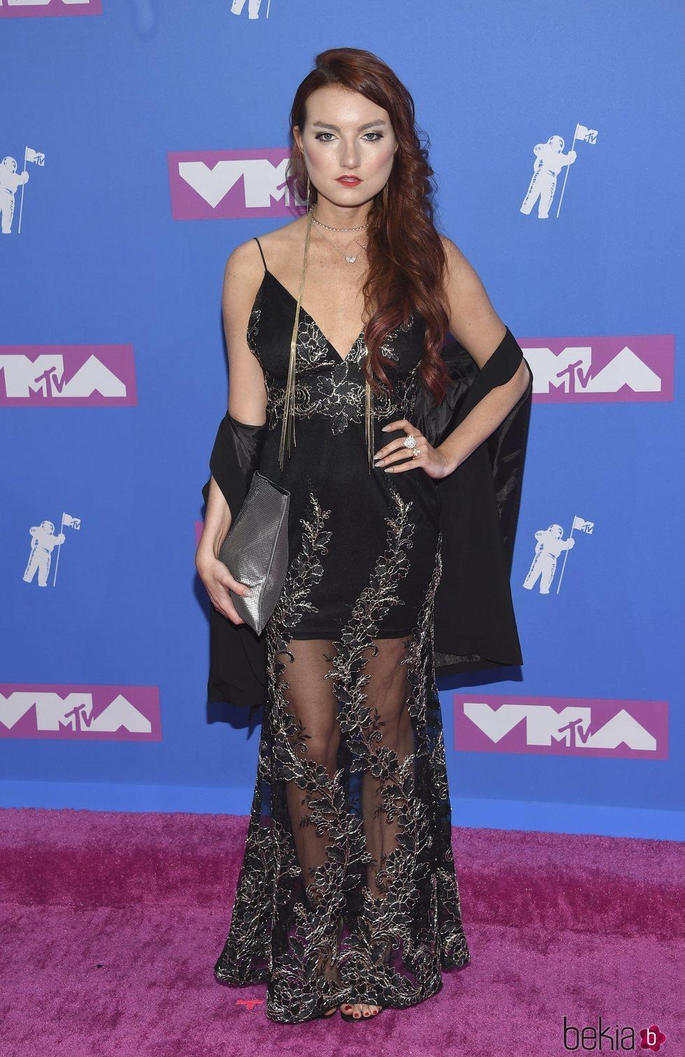 Kendra Erika con un vestido con transparencias en los Premios VMA'S 2018