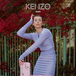 Milla Jovovich posando para la nueva colección otoño/invierno 2018/2019 de Kenzo