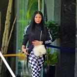 Nicky Minaj con un conjunto de cuadros en Nueva York 2018