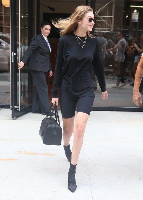 Gigi Hadid con unas mallas en Nueva York