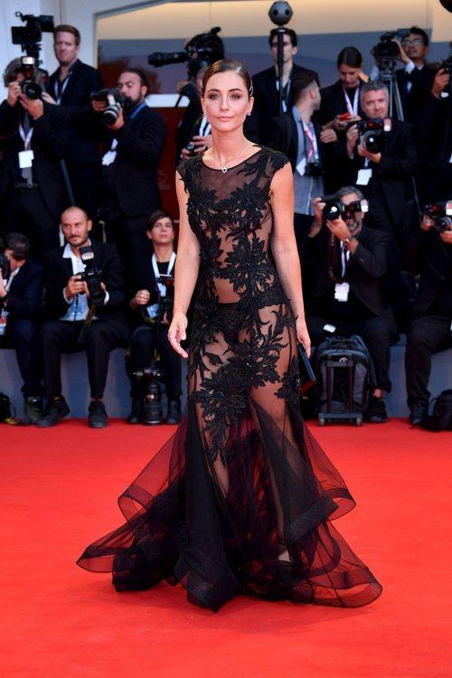 Sophia Salaroli luce transparencias en el Festival Internacional de Cine de Venecia 2018