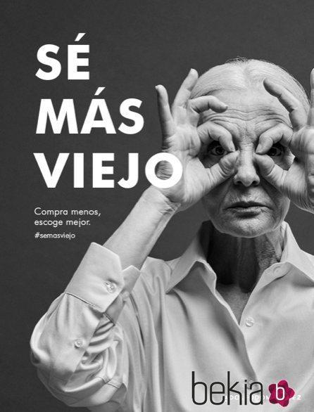 Imagen de la campaña 'Sé más viejo' de Adolfo Domínguez con Valentina Yasen