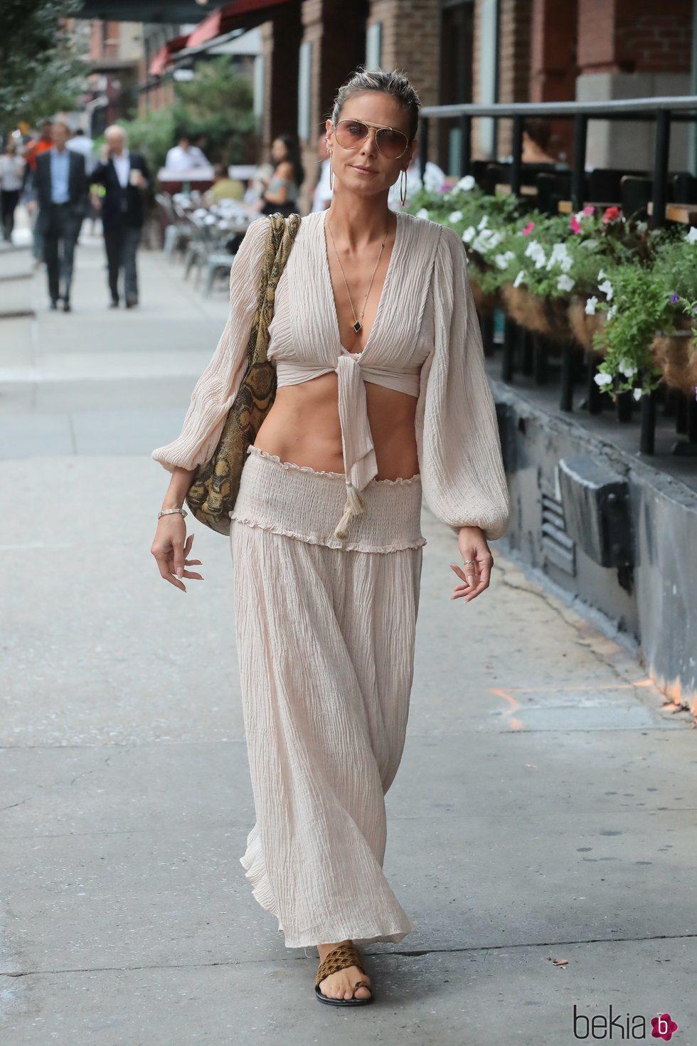 Heidi Klum con un conjunto muy fresquito en Nueva York
