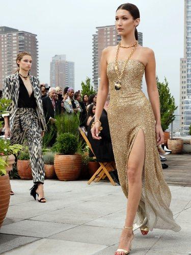 Bella Hadid en el desfile de Oscar de la Renta primavera/verano 2019 en la New York Fashion Week