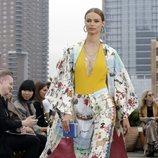 Caftán y pantalón de Oscar de la Renta primavera/verano 2019 en la New York Fashion Week