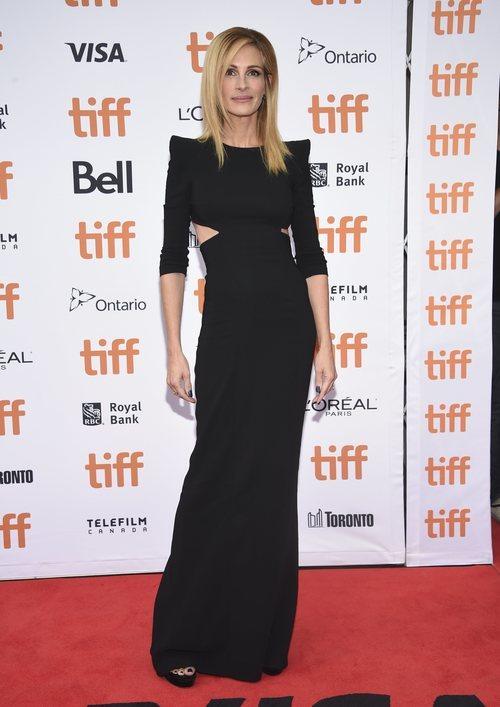 Julia Roberts con un ajustado vestido en el Festival Internacional de Cine de Toronto 2018