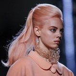 Collar de brillantes de Marc Jacobs primavera 2019 en la New York Fashion Week
