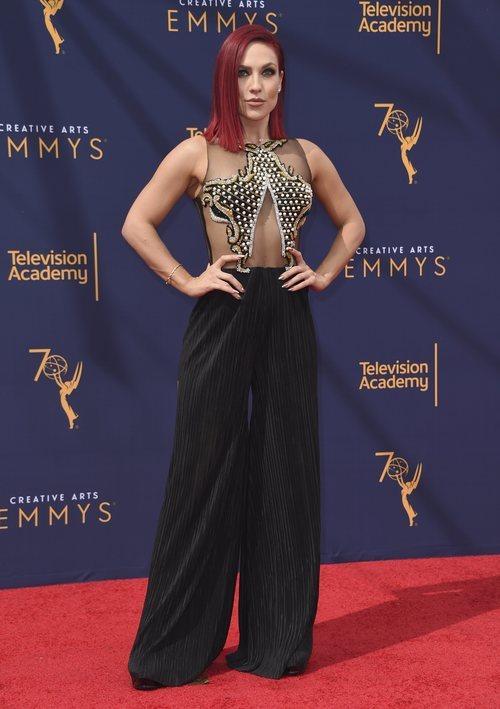 Sharna Burgess con un mono transparente en los Creative Arts Emmy Awards 2018