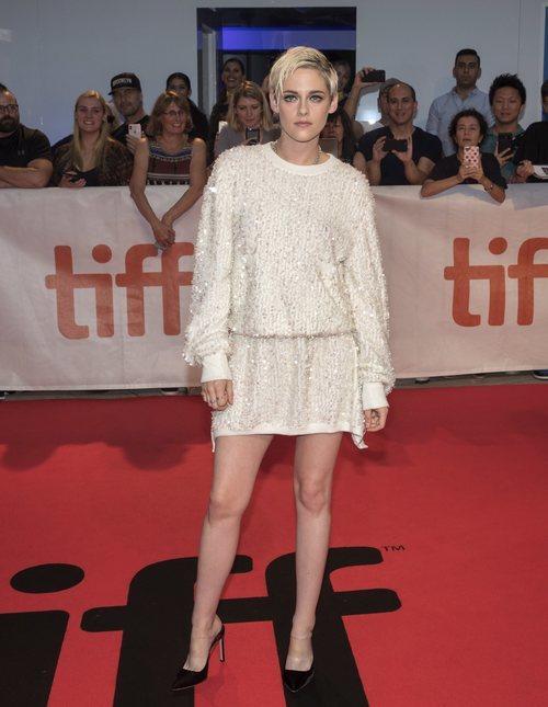 Kristen Stewart con un mini vestido de Chanel en el Festival Internacional de Cine de Toronto 2018
