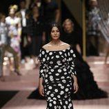 Monica Bellucci en el desfile de Dolce&Gabbana primavera/verano 2019 en la Milán Fashion Week