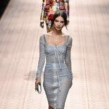 Emily Ratajkowski en el desfile de Dolce&Gabbana primavera/verano 2019 en la Milán Fashion Week