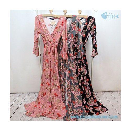 Vestido largo con estampado floral de la nueva firma española Pequeña Moma 2018