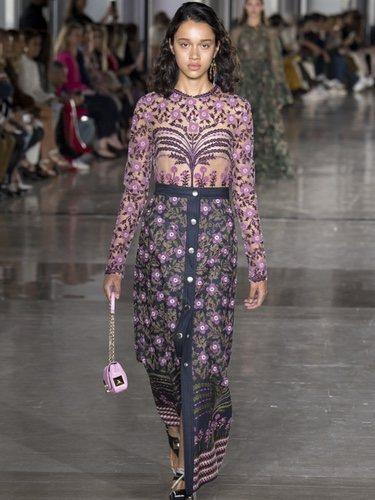Vestido bicolor de Giambattista Valli primavera/verano 2019 en la Paris Fashion Week