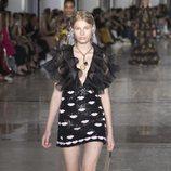 Vestido de lentejuelas de Giambattista Valli primavera/verano 2019 en la Paris Fashion Week