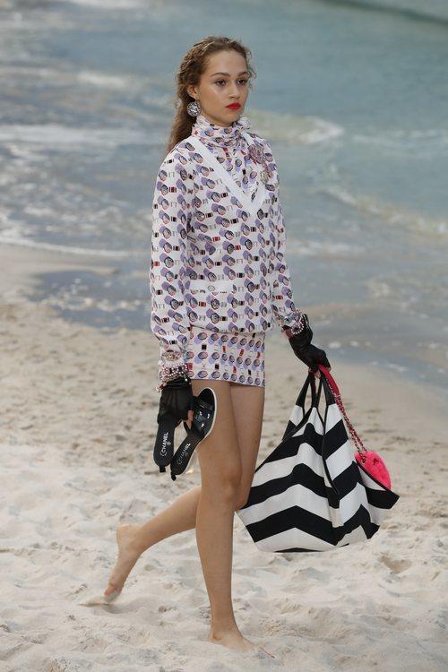 Vestido estampado de Chanel primavera/verano 2019 en la Paris Fashion Week