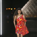 Vestido estampado de Louis Vuitton primavera/verano 2019 en la Paris Fashion Week