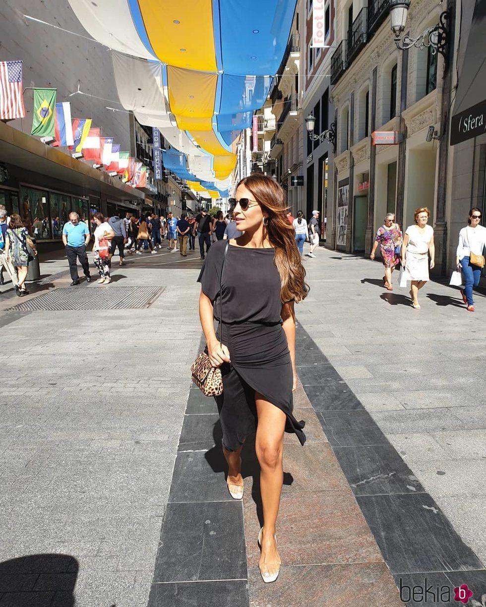 Paula Echevarría con un vestido de Slow Love en el centro de Madrid