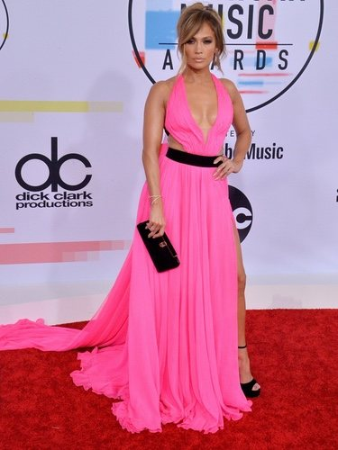 Jennifer Lopez con un look muy sexy en los American Music Awards 2018