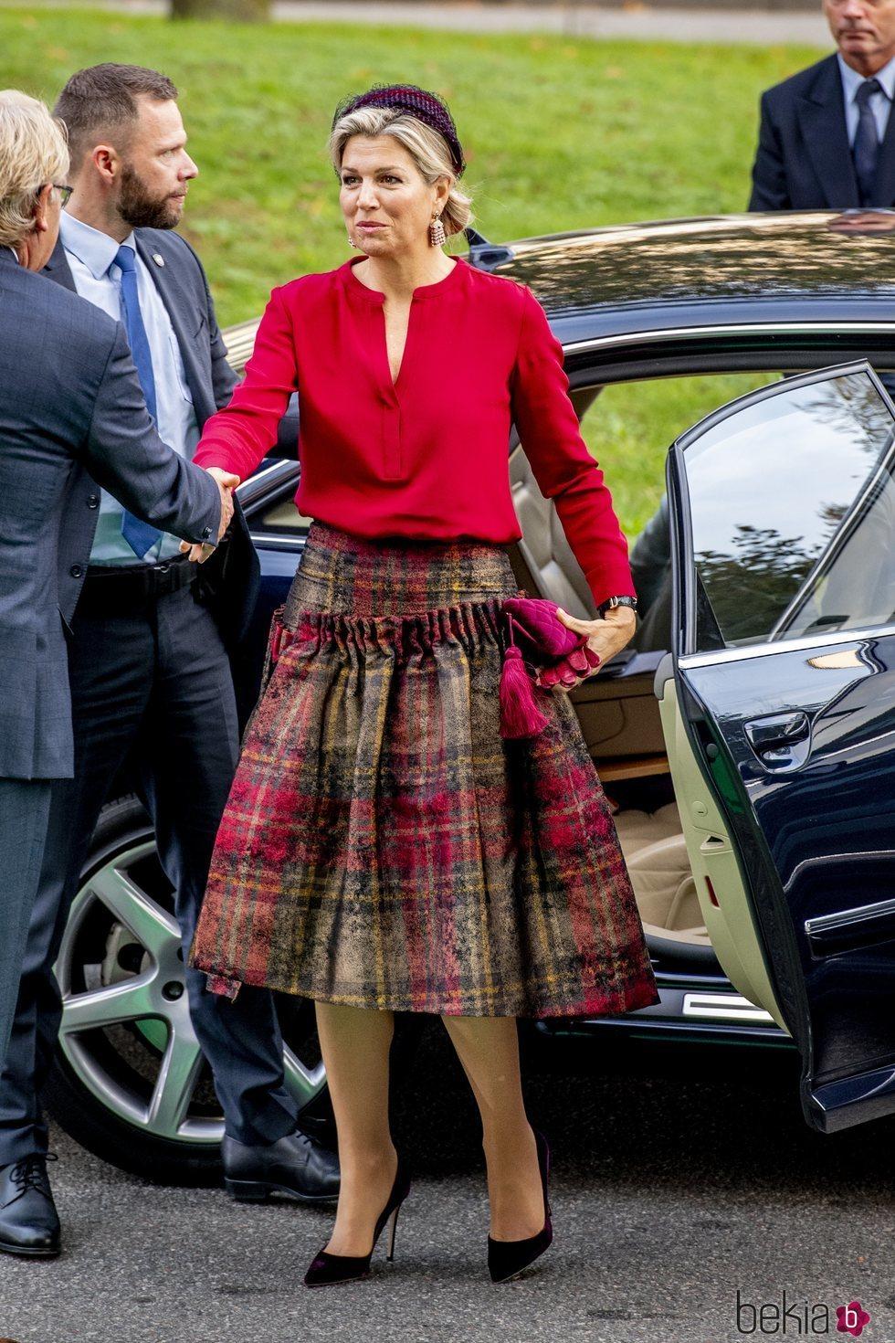 La Reina Máxima de Holanda con su look invernal
