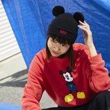 Gorro y sudadera de la nueva colección de Levi's x Mickey Mouse