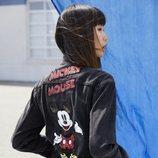 Cazadora de la nueva colección de Levi's x Mickey Mouse