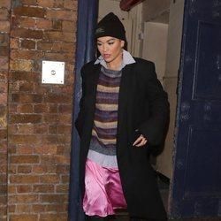 Rita Ora se viste con un look muy hortera