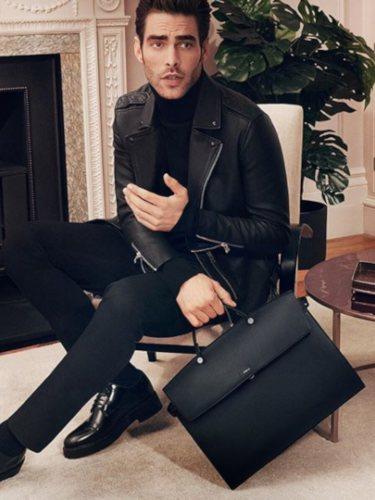 Jon Kortajarena presenta el bolso masculino Furla Mercurio