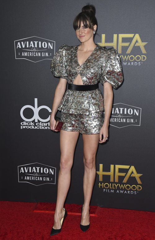 Shailene Woodley con un look muy llamativo