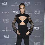 Cara Delevingne con un look total black en los Premios WSJ