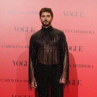 Paco León en la fiesta del 30 aniversario de Vogue con un diseño de Palomo Spain