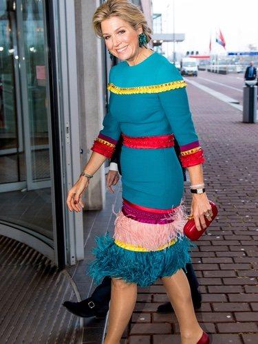 La Reina Máxima de Holanda luce un vestido multicolor en los Premios Príncipe Bernhard