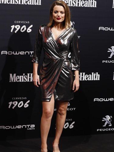 Adriana Torrebejano posa con un vestido asimétrico en los premios Men's Health 2018