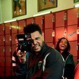 The Weeknd posando para la campaña de zapatillas de Puma Terrains 2018