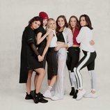 Selena Gomez y sus amigas posando con prendas de la colección de Puma x Selena Gomez